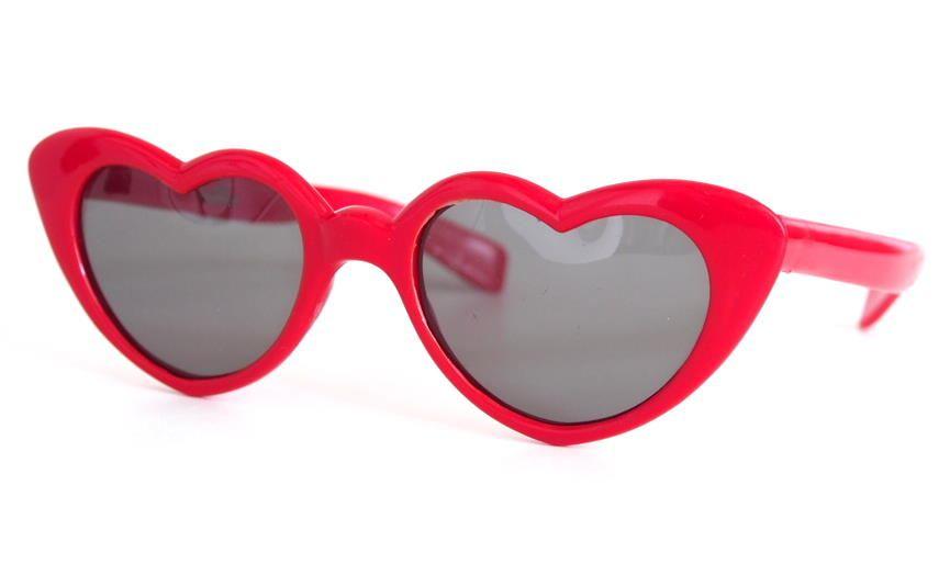 Herzbrille rot aus Kunststoff als Sonnenbrille mit Plastikscheiben aus dem Brillenhaus Wilke