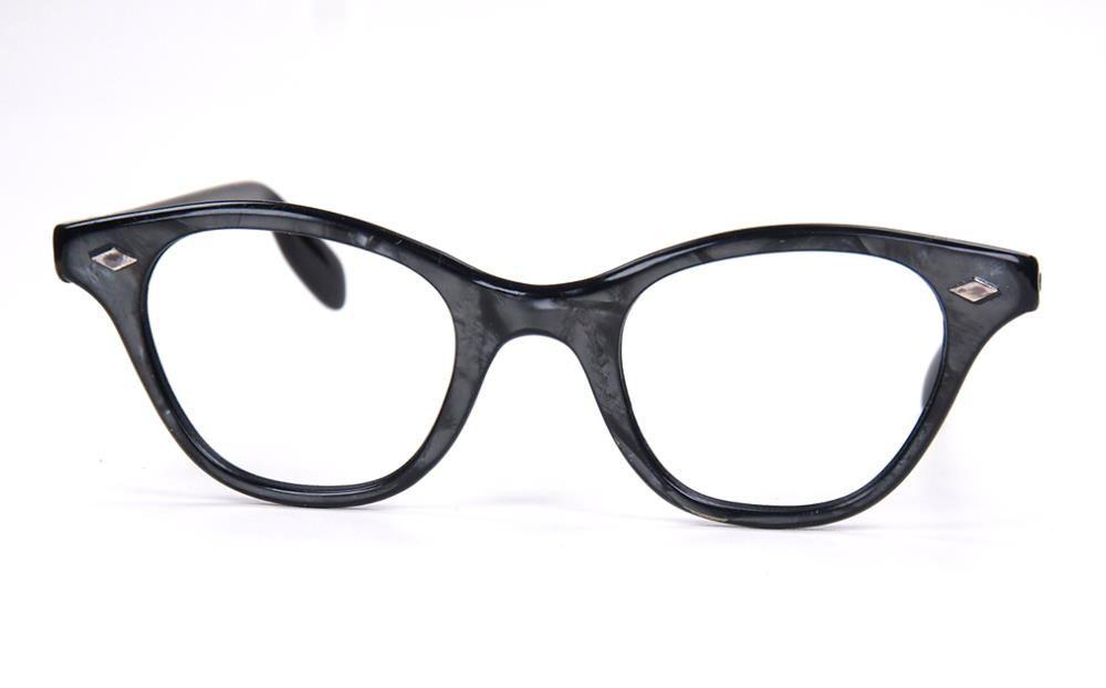 Schmetterlingsbrille, Cateyebrille ein Klassiker der 50er Jahre