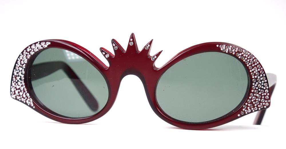 Brille mit Strass besetzt. Einzelstück aus den 80er Jahren hergestellt in Frankreich, Sondermodell