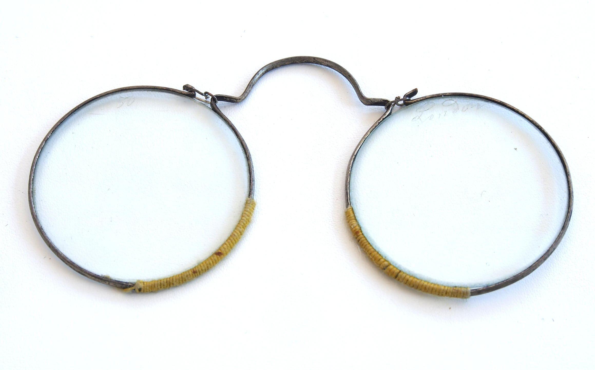 Nuernberger Drahtbrille  17.Jahrhundert aus dem Brillenmuseum