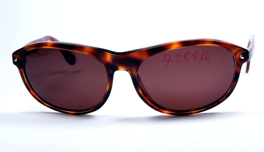 Giorgio Armani Sonnenbrille Modell 811 mit braunen Kunststoffgläsern aus dem Brillenhaus Wilke Hamburg
