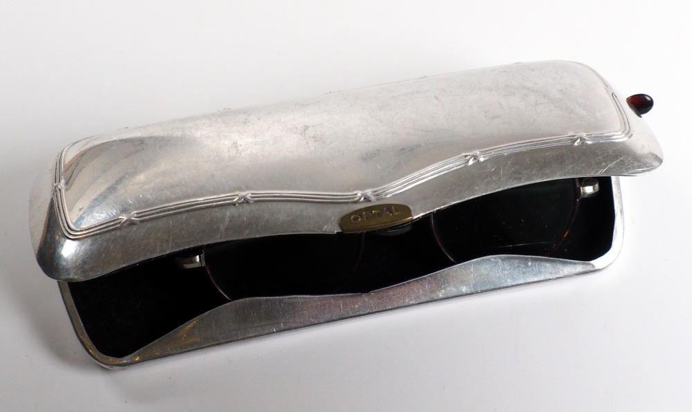Brillenetui Hartschale,aus Aluminium Bodüremuster,stabil und leicht, für kleine Brillen passend