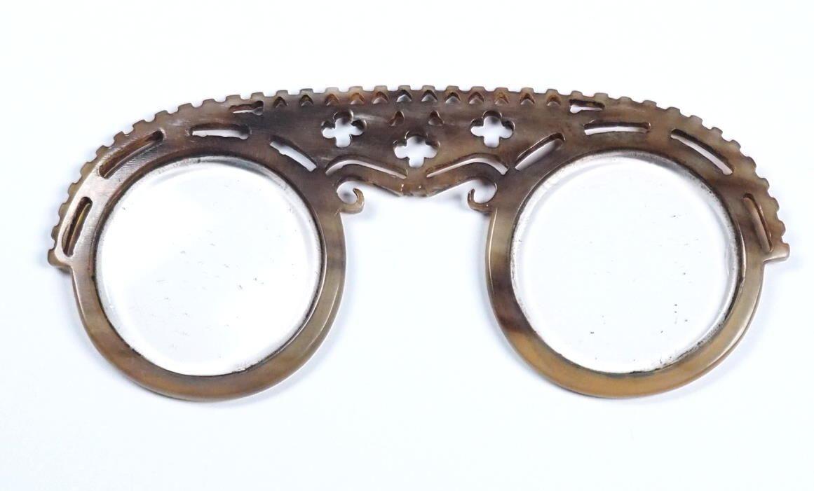 Meisterbrille der Nuernberger Brillenmacher um 1700 aus dem Brillenmuseum in Hamburg