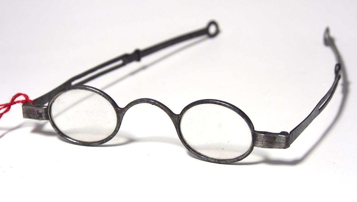 Historische Brille aus dem Brillen-Museum 962
