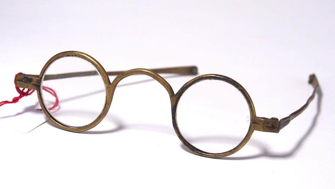 Historische Brille aus dem Brillen-Museum 967A