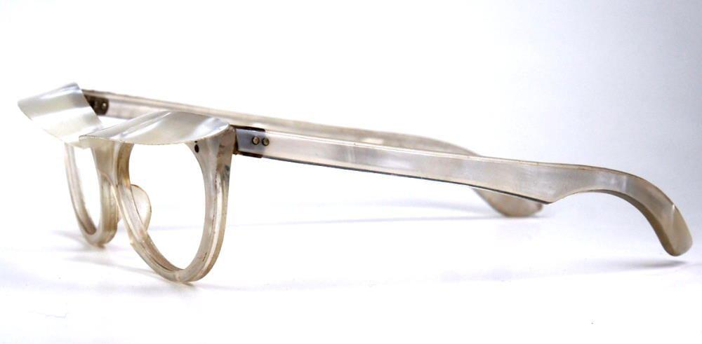 Cateyebrille, Schmetterlingsbrille der 50er Jahre, weiße Vintagebrille