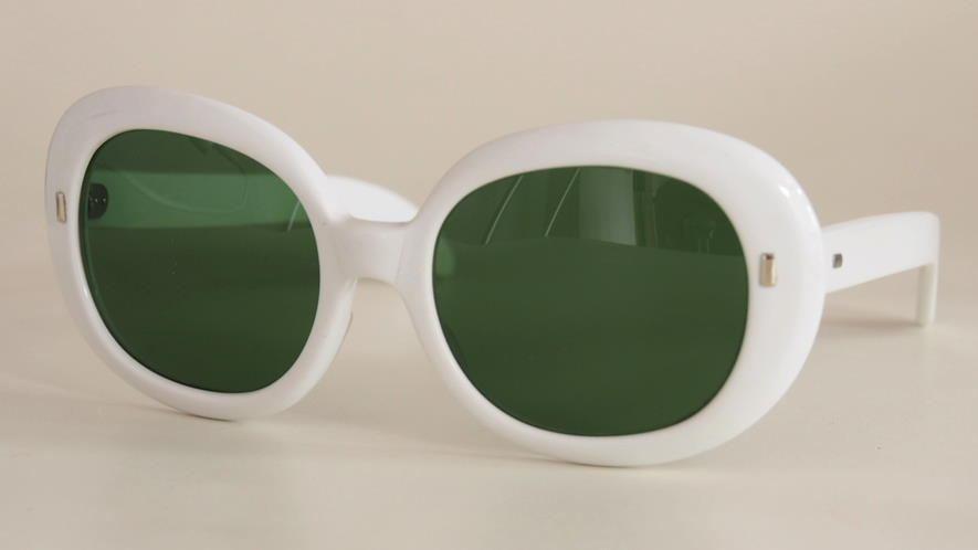 Vintage Sonnenbrille / weiße 90er Jahre Sonnenbrille 36.81KB