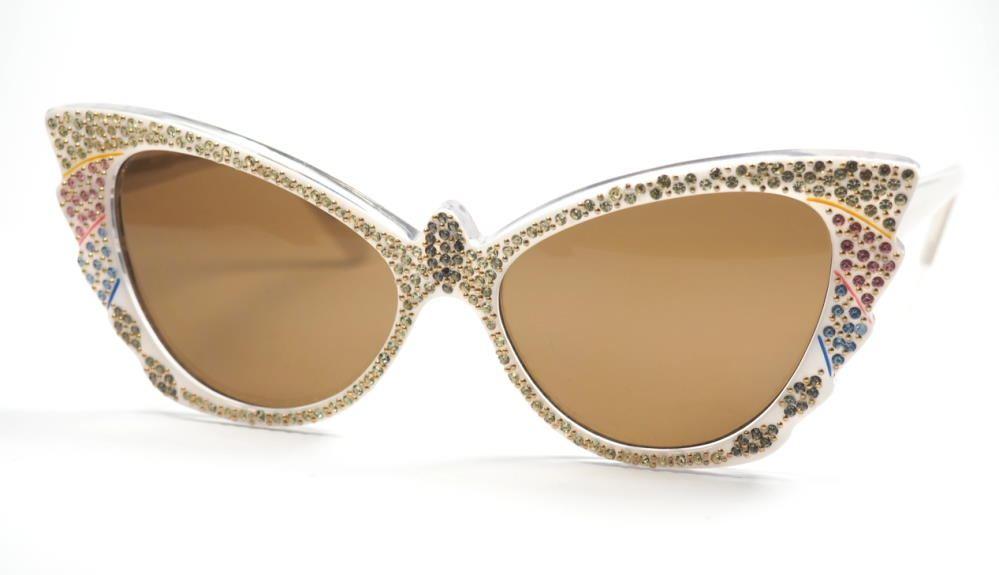 Schmetterlingsbrille, weiß mit bunt Straßsteinen