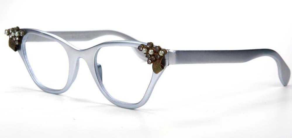 Schmetterlingsbrille, Cateye Brille aus Blockaluminium mit sehr ausgefallenem Decor