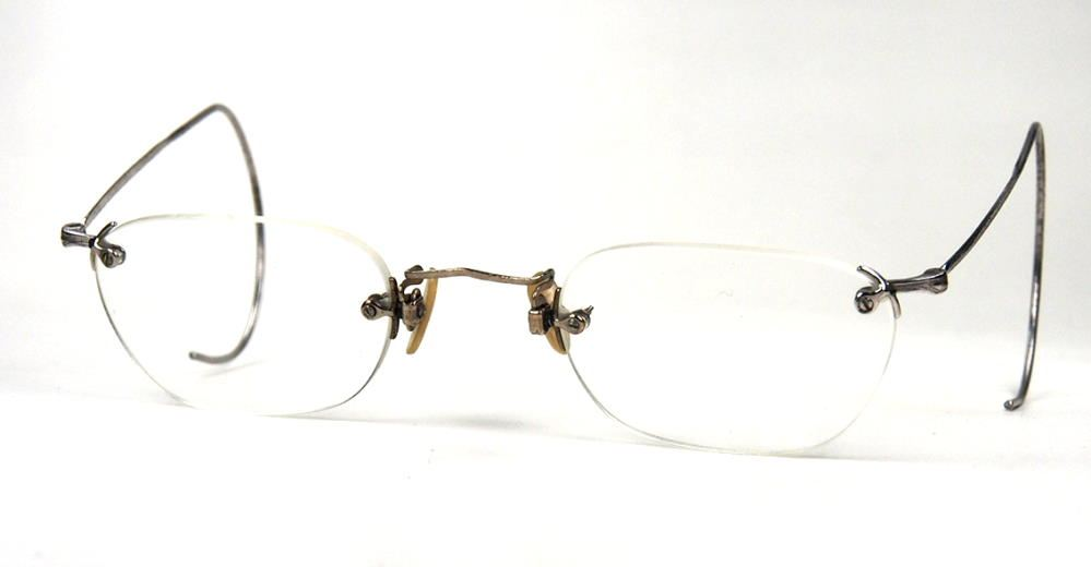 Antikbrille, Randlosbrille mit Gespinstbügeln, original aus den 40er Jahren