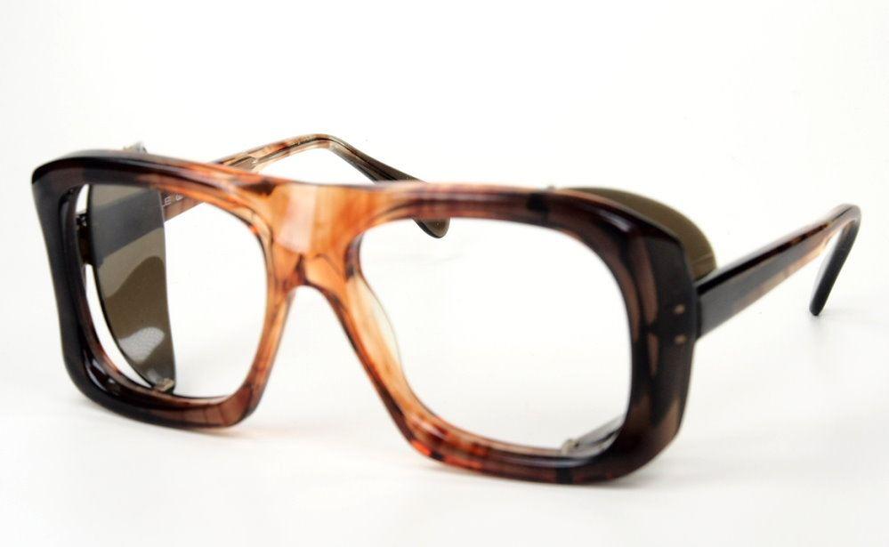 Schutzbrille mit einklappbaren Seitenschutzen zum Superpreis