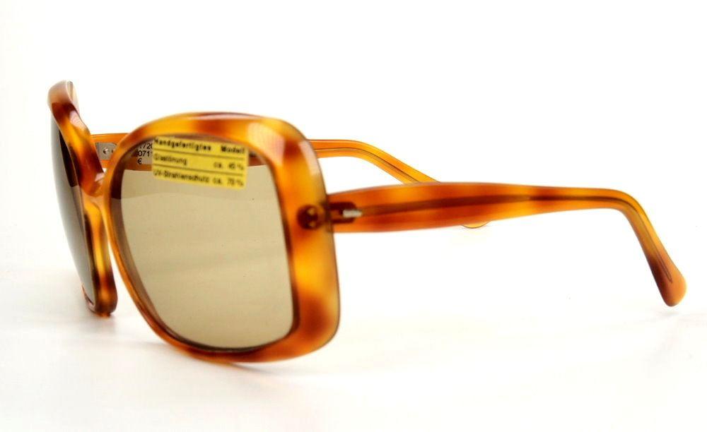 Vintagebrille aus den 80er Jahren und noch fabrikneu. Brillenhaus Wilke Hamburg